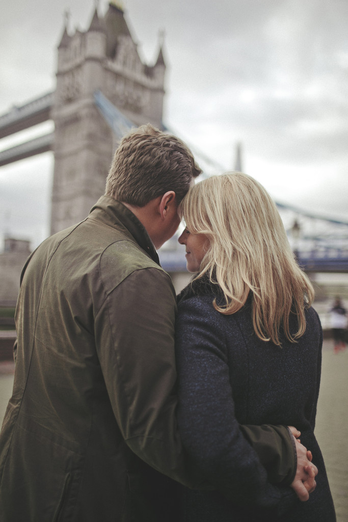 Engagement session Tower bridge in London