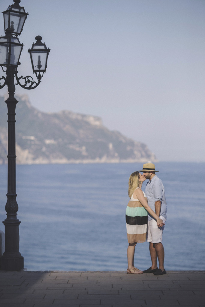 Destination wedding photographer Amalfi