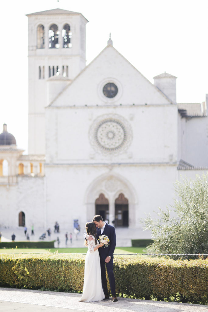 Destination wedding photographer Umbria